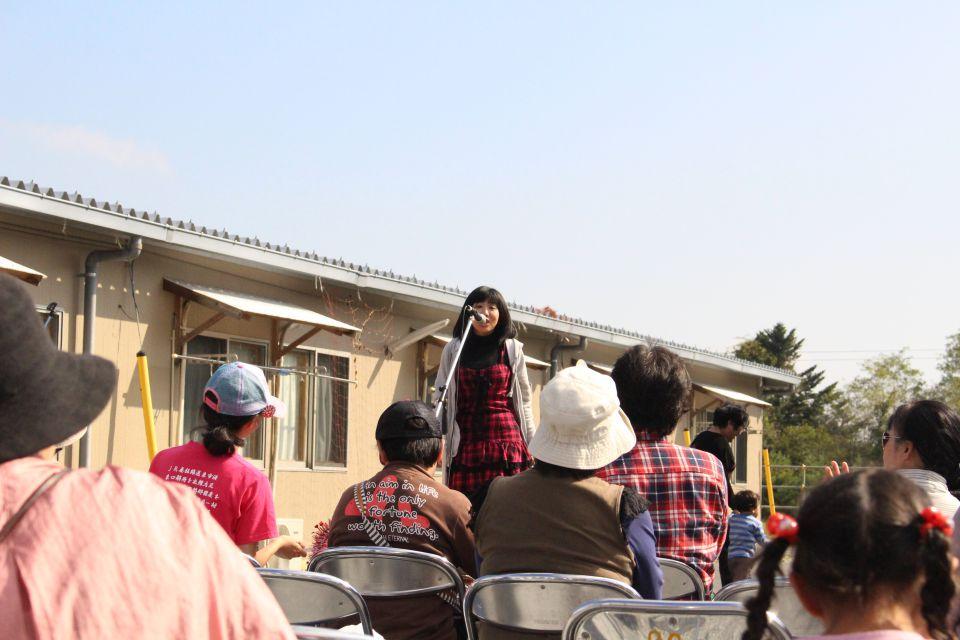 「なみえ復興祭 2014 秋」レポート。舞台役者のあかねさん。