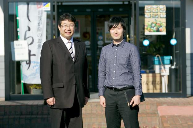 福島県相馬市にあるサンエイ海苔の阿部純也さんと立谷甲一さん。
