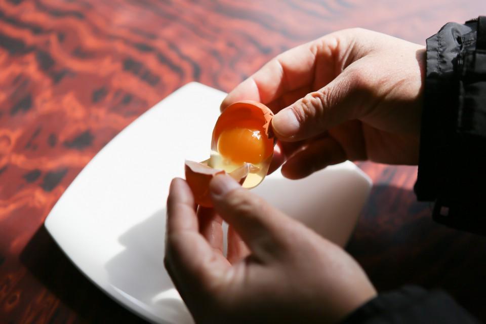 福島県相馬市にある大野村農園の自然卵養鶏法による鶏卵「相馬ミルキーエッグ」